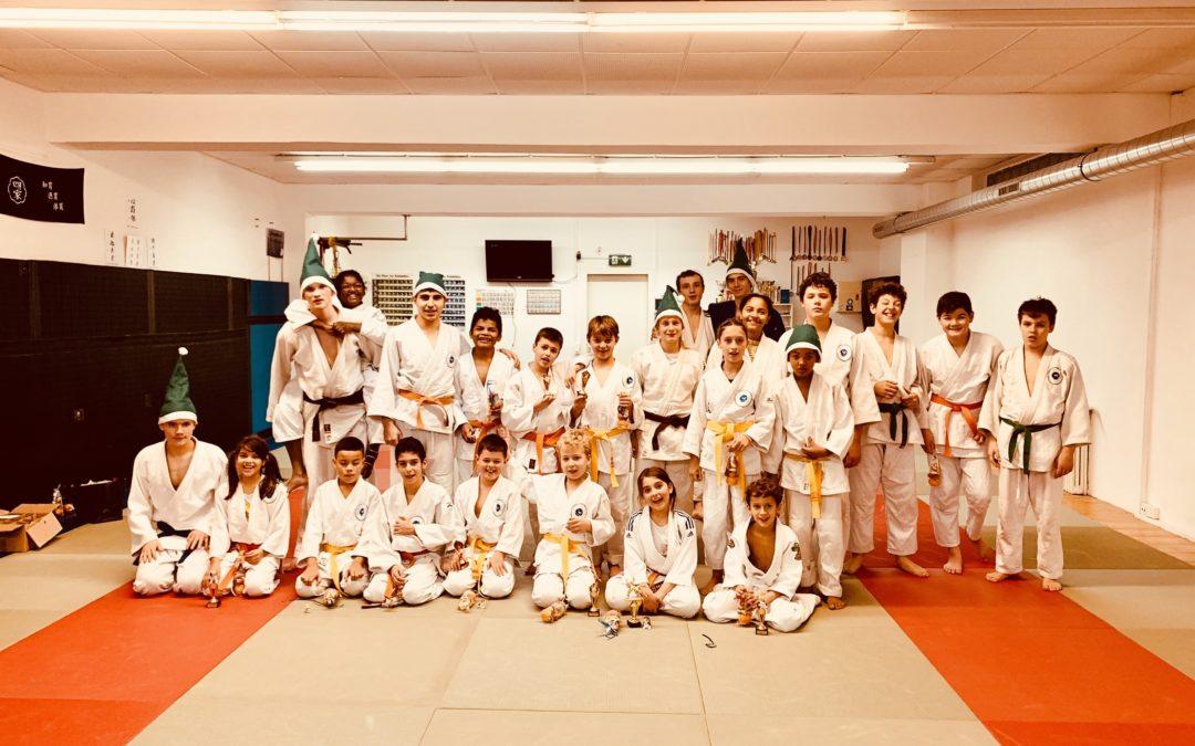 Le Judo Club Eaux-Vives vous souhaite de merveilleuses fêtes de fin d'année 🎅🤶🍾🎁